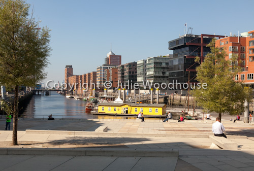 photo showing Hafen City, Am Sandtorkai / Dalmannkai Quarter, Hamburg, Germany